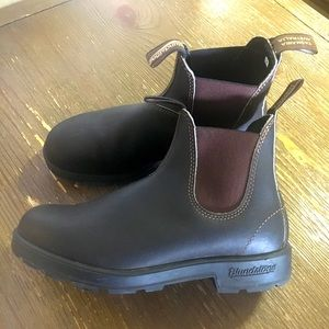 BLUNDSTONE Chelsea Leather Pull on Boots